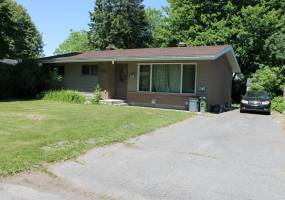 Lambeth Walk,Ottawa,Ontario,Canada,3 Bedrooms Bedrooms,1 BathroomBathrooms,Multi-Family,Lambeth Walk,1008