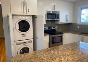 2161-A Lambeth Walk,Ottawa,Ontario,Canada K2C 1E9,3 Bedrooms Bedrooms,1 BathroomBathrooms,Multi-Family,Lambeth Walk,1008