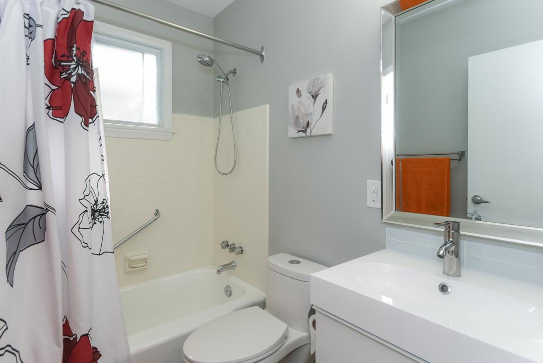 Iris Street,Ottawa,Canada K2C 1B3,4 Bedrooms Bedrooms, 2 Bathrooms,Multi-Family,Iris Street,1031
