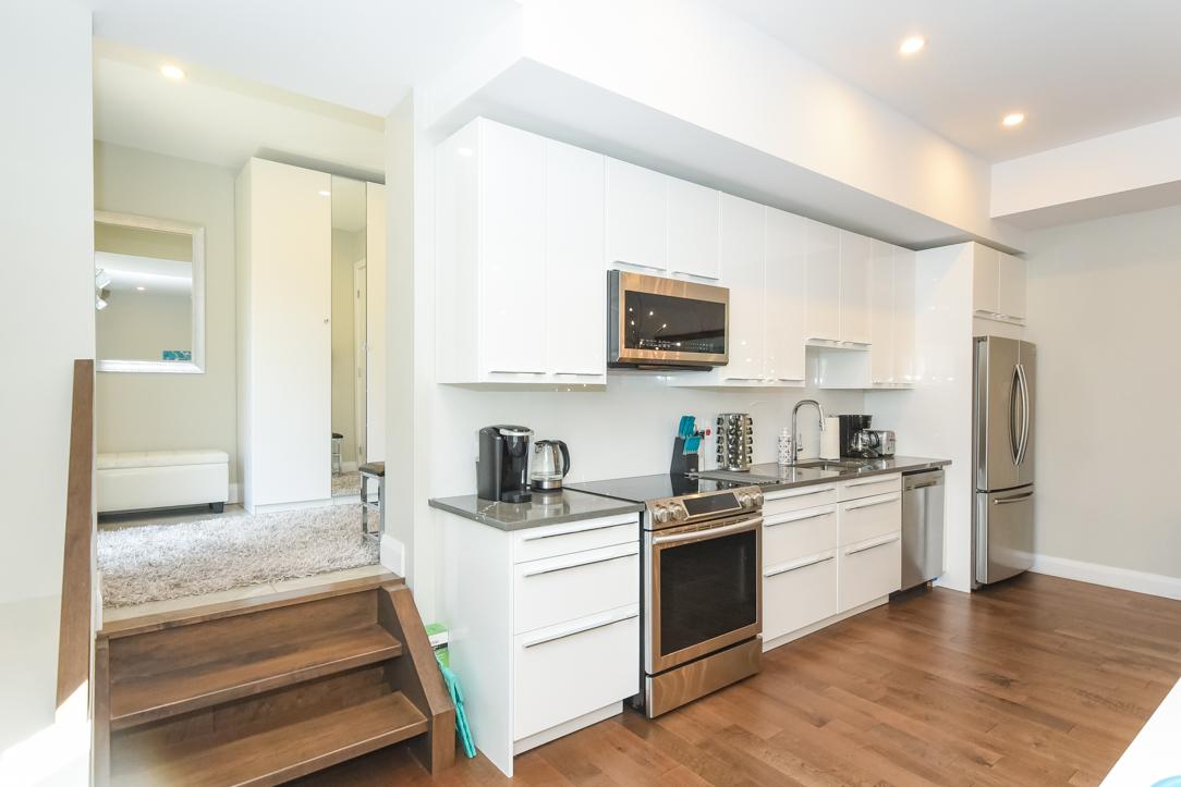 44D Byron Avenue,Ottawa,Ontario,Canada K1Y 3J1,2 Bedrooms Bedrooms,1 BathroomBathrooms,Single Family,Byron Avenue,1,1073