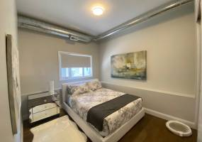 44B Byron Avenue,Ottawa,Ontario,Canada K1Y 3J1,2 Bedrooms Bedrooms,1 BathroomBathrooms,Multi-Family,Byron Avenue,1075