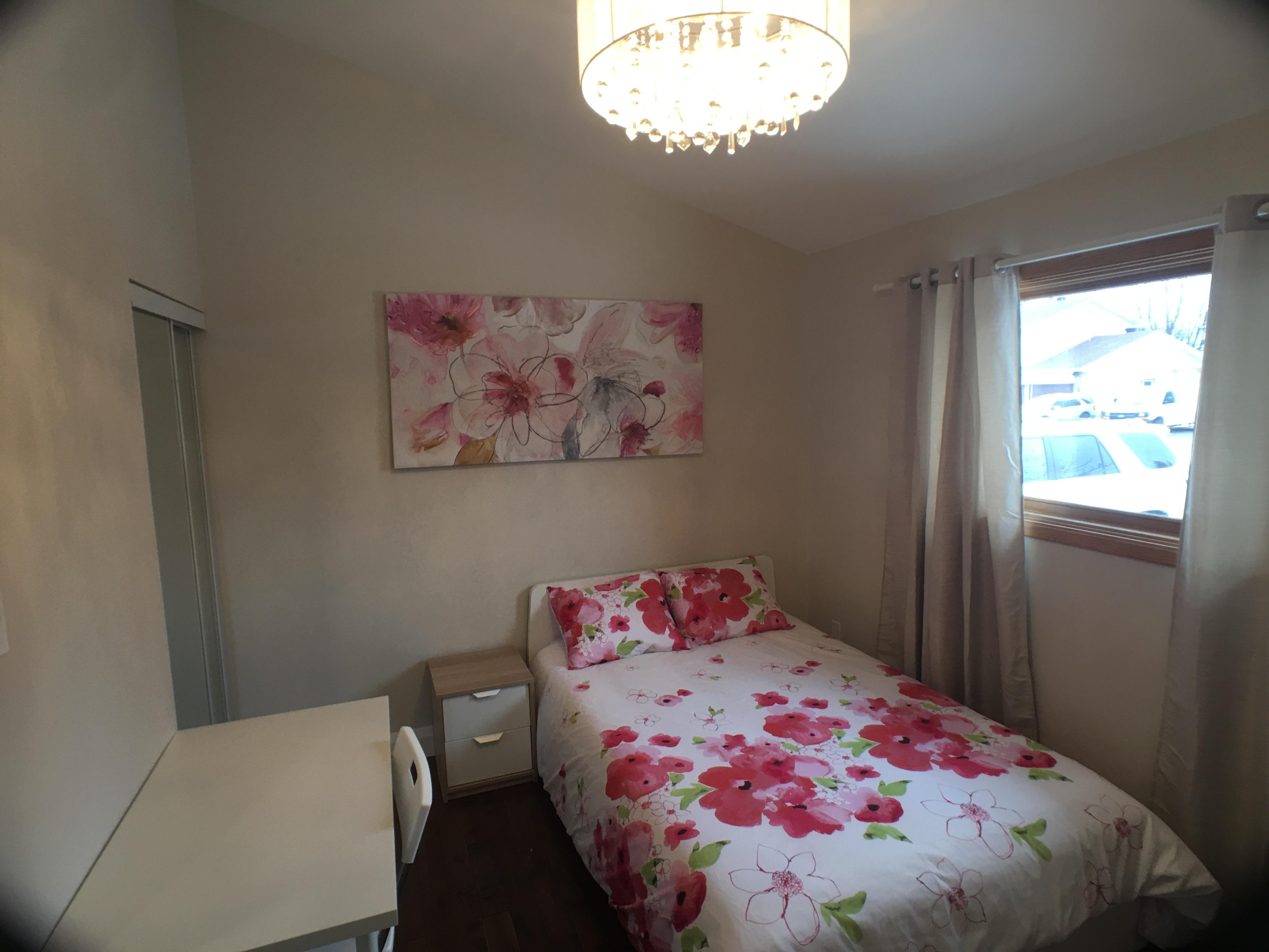 102 Starwood,Ottawa,Ontario,Canada,7 Bedrooms Bedrooms,3 BathroomsBathrooms,Multi-Family,Starwood,1081
